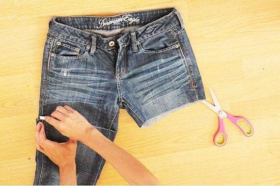 Як зі штанів зробити шорти. Робимо шорти зі старих джинсів самостійно 7a6135f2ef4b0