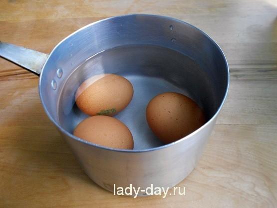 eier in kaltes wasser legen und kochen