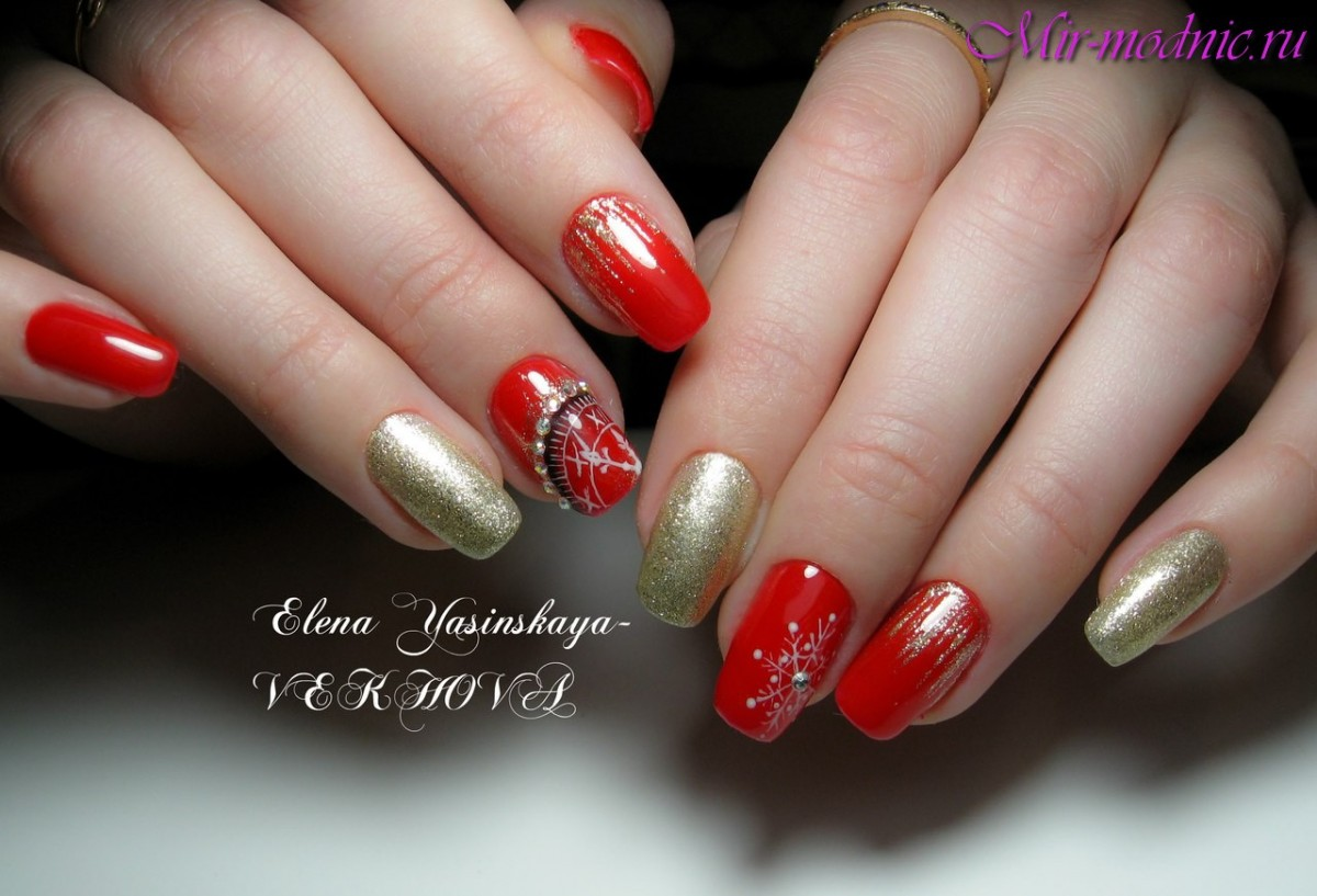 Nägel sind braun mit Gold. Rote Maniküre mit Löchern: Design für ...